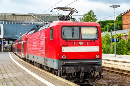 treno espresso: Regional express train at Lubeck Main Station - Germany
