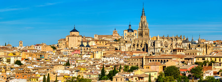 mancha: View of Toledo with the Cathedral and the Churches of San Ildefonso and San Marcos - Spain Stock Photo