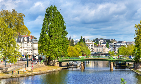 De Erdre-rivier in Nantes, Frankrijk