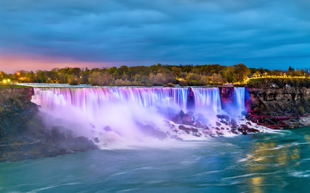 The American Falls and the Bridal Veil Falls at Niagara Falls as seen from the Canadian side Stock Photo