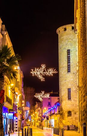ville: Street in Narbonne on Christmas - France, Languedoc-Rousillon