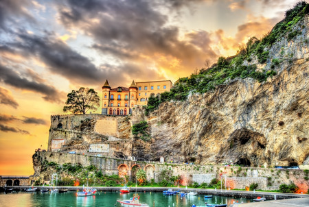 View of Maiori on the Amalfi coast in Campania, Italy 스톡 콘텐츠