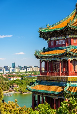 여름 궁전 - 베이징, 중국에서에서 불교 타워의 향
