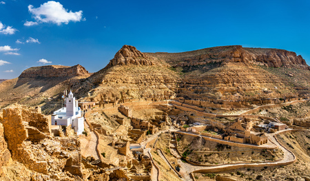 Panorama of Chenini, a fortified Berber village in South Tunisia 版權商用圖片