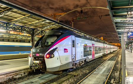 Coradia Liner Intercity train at Paris-Est station. France 版權商用圖片 - 93183497