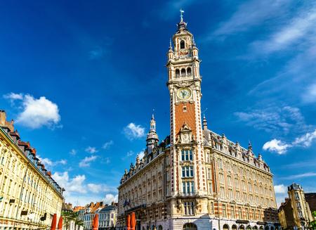 Beffroi de la Chambre de Commerce. Un bâtiment historique à Lille, France Banque d'images