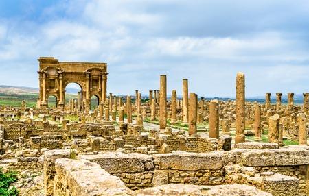 Timgad, ruines d'une ville romano-berbère en Algérie. Banque d'images