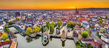 Ponts Couverts und Petite France in Straßburg Standard-Bild