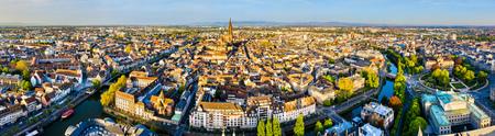 Aerial panorama of the Grande Ile in Strasbourg, France Standard-Bild