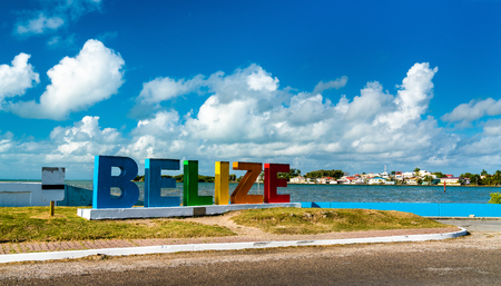 Welcome to Belize Sign at the Caribbean Sea 版權商用圖片