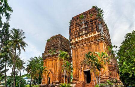 Twin Towers in Qui Nhon, Vietnam 스톡 콘텐츠