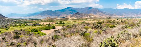 Panorama of the Central Valleys of Oaxaca in Mexico 스톡 콘텐츠