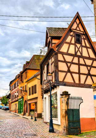 Traditional half-timbered houses in Barr - Alsace, France 免版税图像