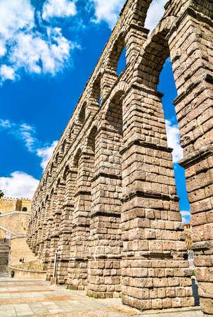 Ancient roman aqueduct in Segovia, Spain Banque d'images