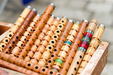 Pequeño centavo madera trompetas a la venta Foto de archivo