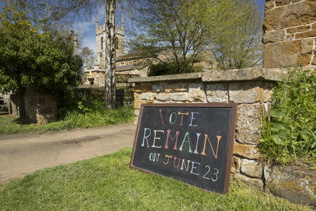 counties: Vote Remain Sign for June 23rd 2016 European Referendum Brexit Campaign - South Newington, Oxfordshire, UK - 5th May 2016