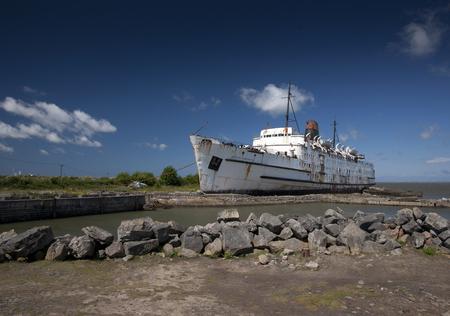 Le navire TSS Duke of Lancaster amarré à Mostyn, au nord du Pays de Galles, au Royaume-Uni - 30 mai 2010 Banque d'images - 93424201
