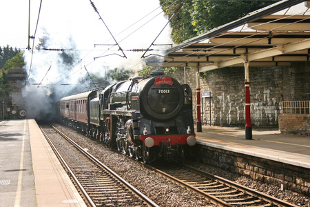 Britannia Steam Loco number 70013 Oliver Cromwell with the Waverley special, Bingley, Yorkshire, United Kingdom - 30th August 2009 Éditoriale