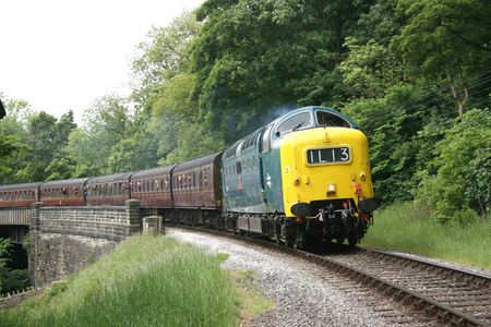 Deltic 55022 approaches Oakworth on the Keighley and Worth Valley Railway, West Yorkshire, UK - June 2009 Éditoriale