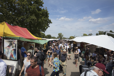 Berlin, Germany; 20th August 2018; Mauerpark Flea Market Standard-Bild - 112569192