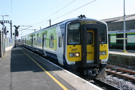 dublin connolly, ,Ireland, April 2010, an Iarnrod Eireann train service Publikacyjne