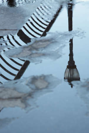 reflexion: farola reflexi�n Stree cielo l�mpara de agua descuidada