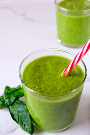 Green detox smoothie with spinach
