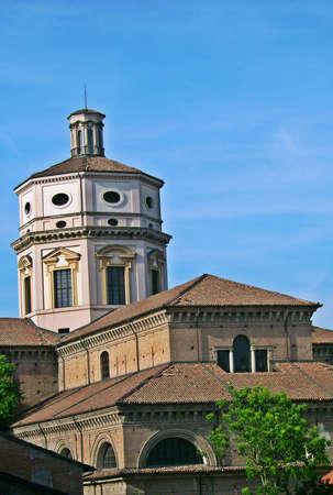 piacenza: El centro de la ciudad de Piacenza iglesia