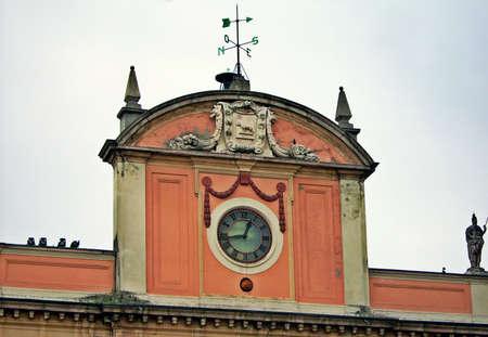 piacenza: Piazza Cavalli torre cuadrada - Piacenza, Italia