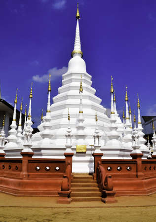 A white wat in Chiang Mai, Thailand with red stairs Stock Photo - 10732694