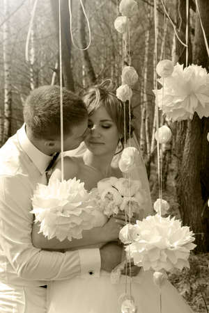 the happy bride: Bride and groom in wedding spring day