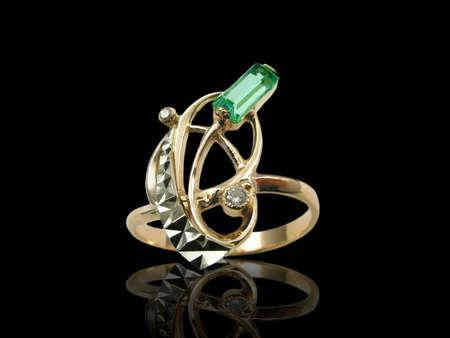 Golden emerald ring photo
