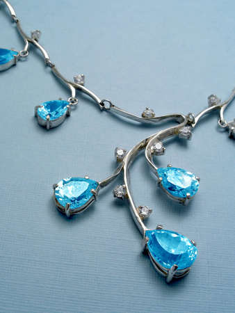 jewelle: Jewelry with sapphire