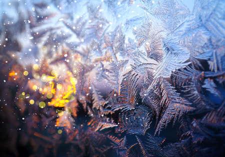 Christmas natural pattern on  winter window glass Standard-Bild