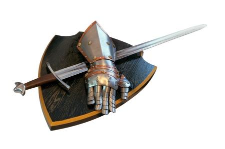 középkori lovag kesztyűt, kardot és pajzsot Stock fotó