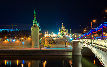moskva: Red Square and the bridge over the Moscow riwer at the evening, Moscow, Russia