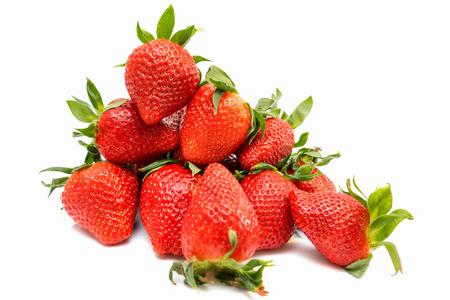 bacca: Strawberry isolated on white background closeup