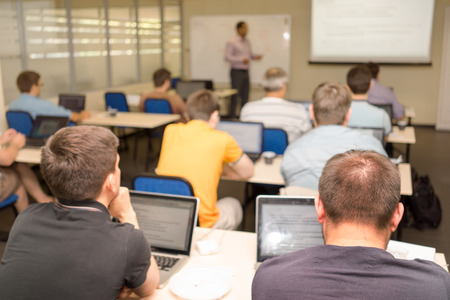 curso de capacitacion: Clase de formación empresarial de los programadores Foto de archivo