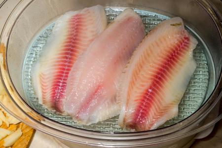 lite food: cooking tilapia filet on vapor
