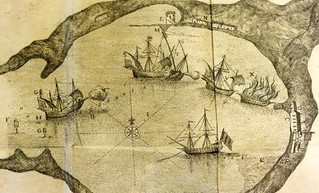 Antica mappa del mare di una battaglia nave in un porto vicino i dettagli