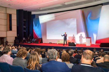 Közönség a konferencia terem