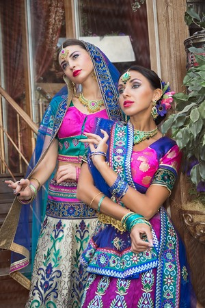 bailarinas arabes: two beautiful women india beauty girl traditional dress