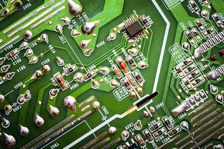 Placa eletronica com componentes. Fechar-se