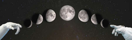 Hands point to the phases of the Moon: waxing crescent, first quarter, waxing gibbous, full moon, waning gibbous, third quarter, waning crescent, new moon. Stockfoto