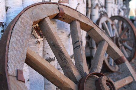 old wooden cart wheel Zdjęcie Seryjne