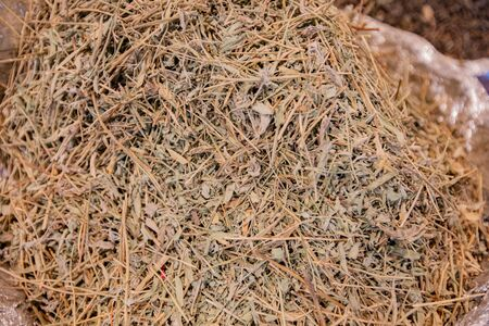 Dried grass of directness and seasonings sold in Asian markets.