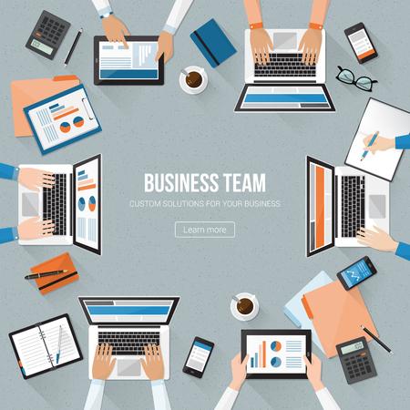 Business-Team arbeiten im Büro und Überprüfung Finanzbericht, Unternehmensführung und Rechnungswesen-Konzept Standard-Bild - 55804399
