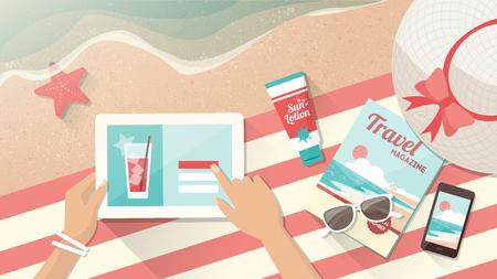 Mujer relajante en la playa y la conexión con su tableta digital, vacaciones de verano y concepto de tecnología