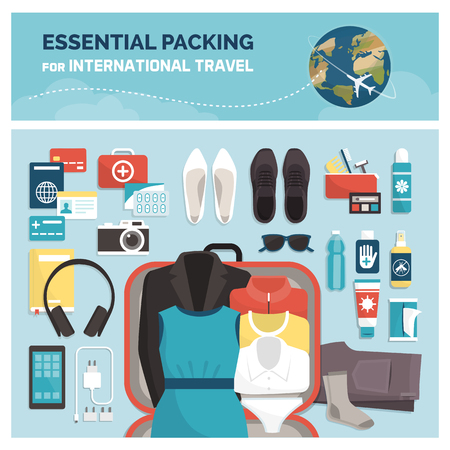 Embalaje esencial para viajes internacionales, turismo y vacaciones: accesorios, ropa y maleta abierta, vista superior