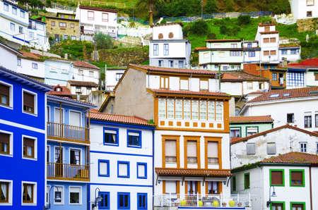 colourful houses: Casas coloridas ventanas y fachadas de colores en Cudillero, Espa�a fachadas antiguas